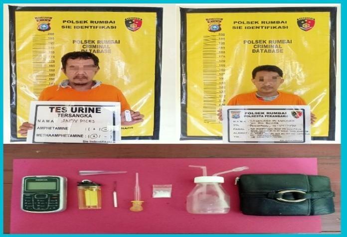 Polisi Ringkus Dua Tersangka Saat Melakukan Transaksi Narkotika Jenis Shabu Dalam Sebuah Ruko
