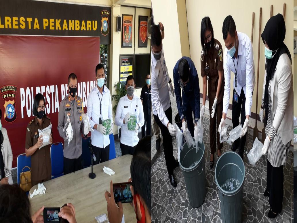 Polresta Pekanbaru Musnahkan BB Hasil Tangkapan Sat Resnarkoba
