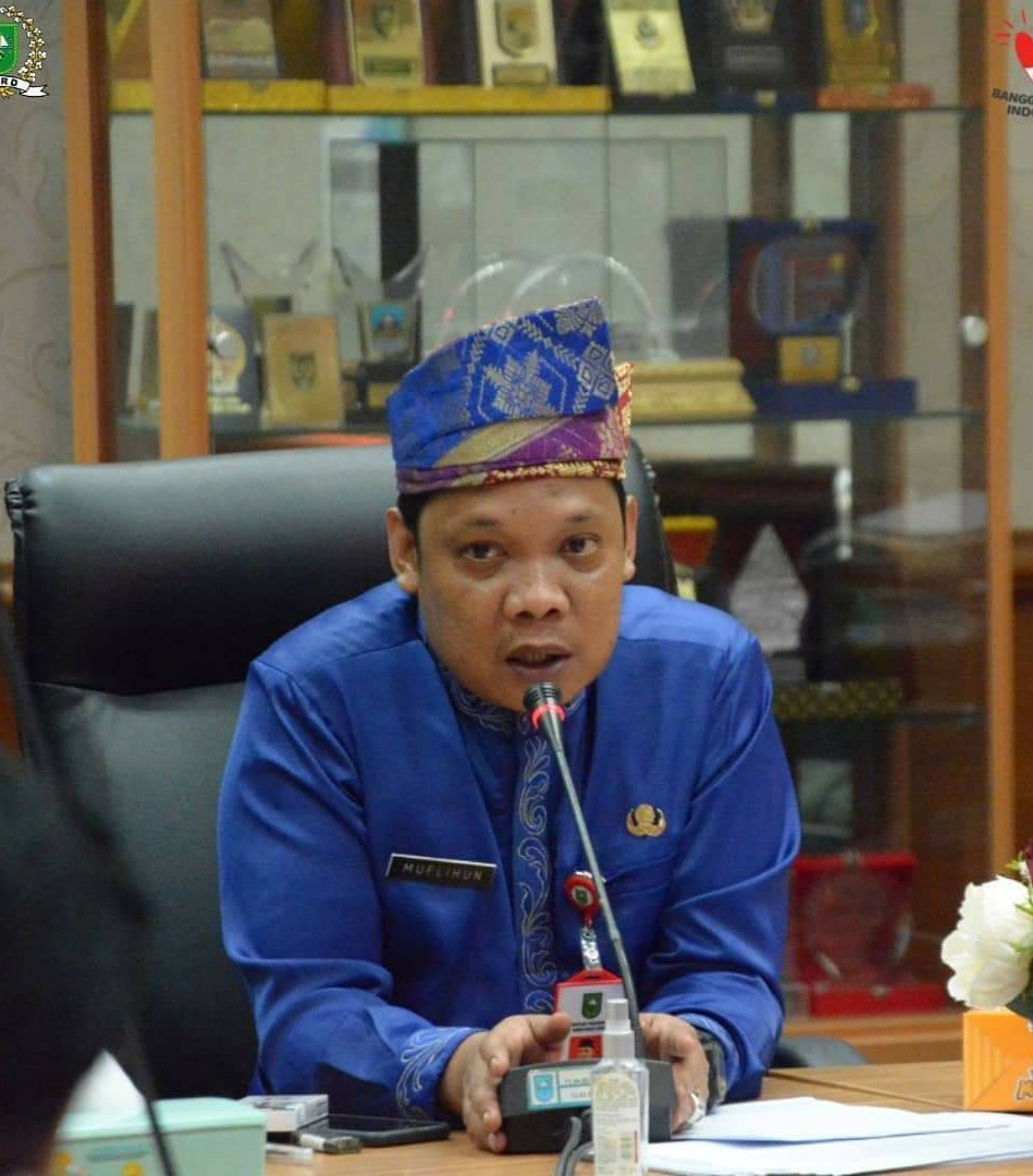 Setwan DPRD Riau Pimpin Rapat Persiapan HUT ke-63 di Ruang Komisi III