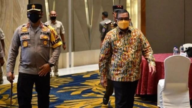 Marjeni, Dirut Perumda RHJ Bangga Batik Rohul Dipakai Wagub Riau