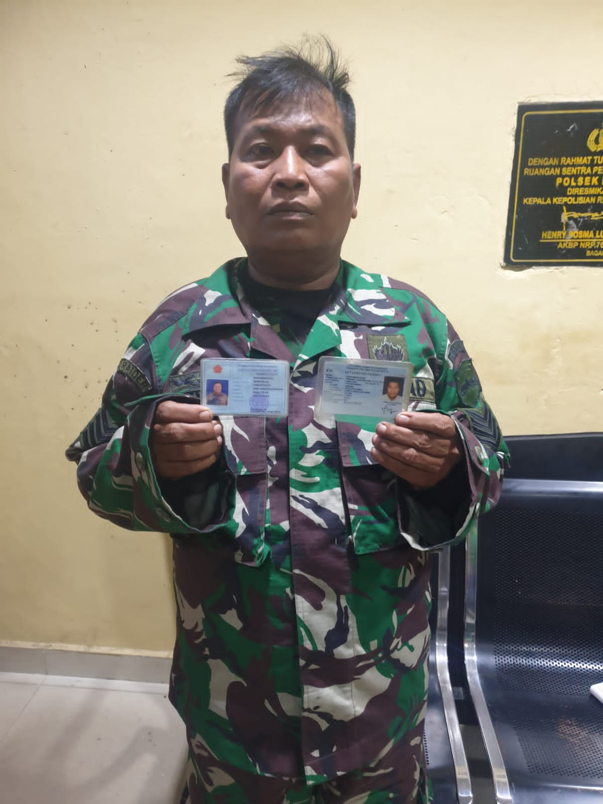 Apes TNI Gadungan Bawak Sajam Di Amankan Personil Polsek Bangko