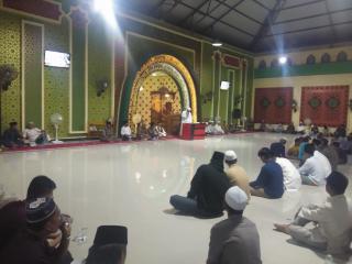 Masjid KHairunnas Peringati Maulid Nabi, Santuni Anak Yatim