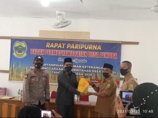 Kepala Desa penuba Berikan laporan evaluasi kinerja penyelenggaran pemerintahan Melalui Paripurna