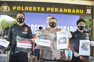 Sat Rekrim Polresta Pekanbaru Berhasil Ungkap Enam Tersangka Penyiraman Air Keras