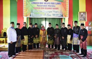 Minta Nasehat LAMR,Balon Bupati Bengkalis Kasmarni Diberi Tunjuk Ajar Melayu