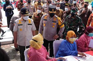 Gelar Vaksin Merdeka, Polda Riau Targetkan Seluruh Jajaran 19 Ribu Dosis Perhari
