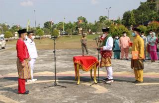 Bupati H.Zukri Lantik Pejabat Administrator dan Pengawas di Lingkunagn Pemkab Pelalawan