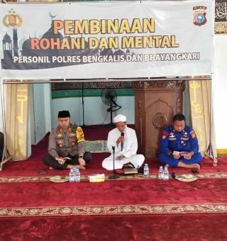 Polres Bersama PCNU Bengkalis Laksanakan Kajian Rutin Kitab Kuning Karya Ulama Nusantara