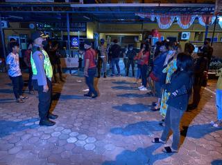 Polresta Pekanbaru Lakukan Patroli KRYD di Tempat Keramaian Kota